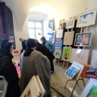 Kunststand im Eingang Fünfeckhaus